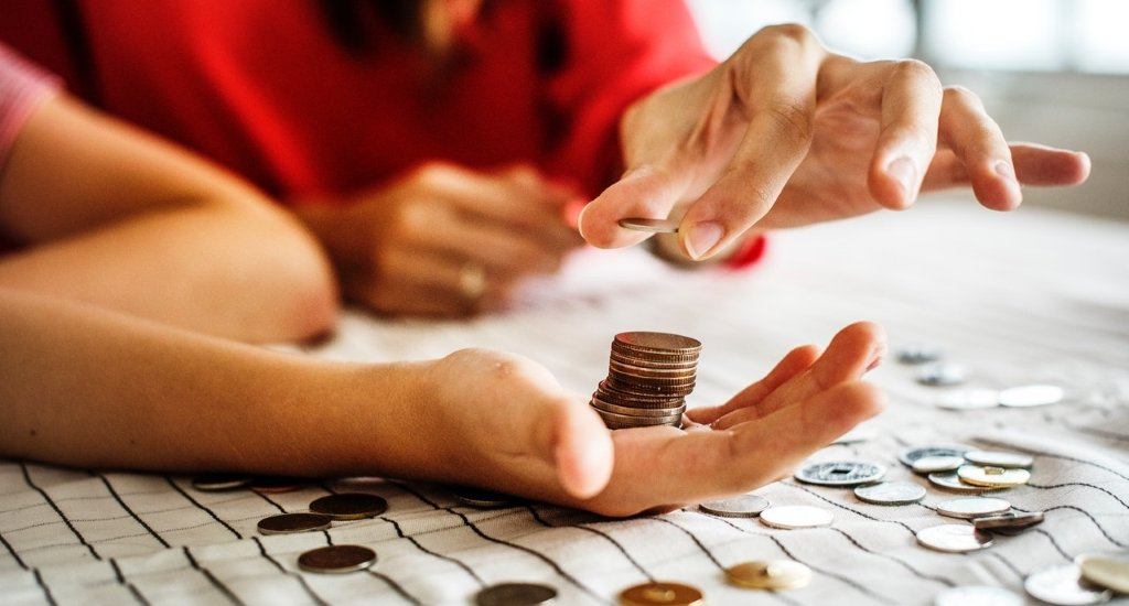 difference between annuity and perpetuity