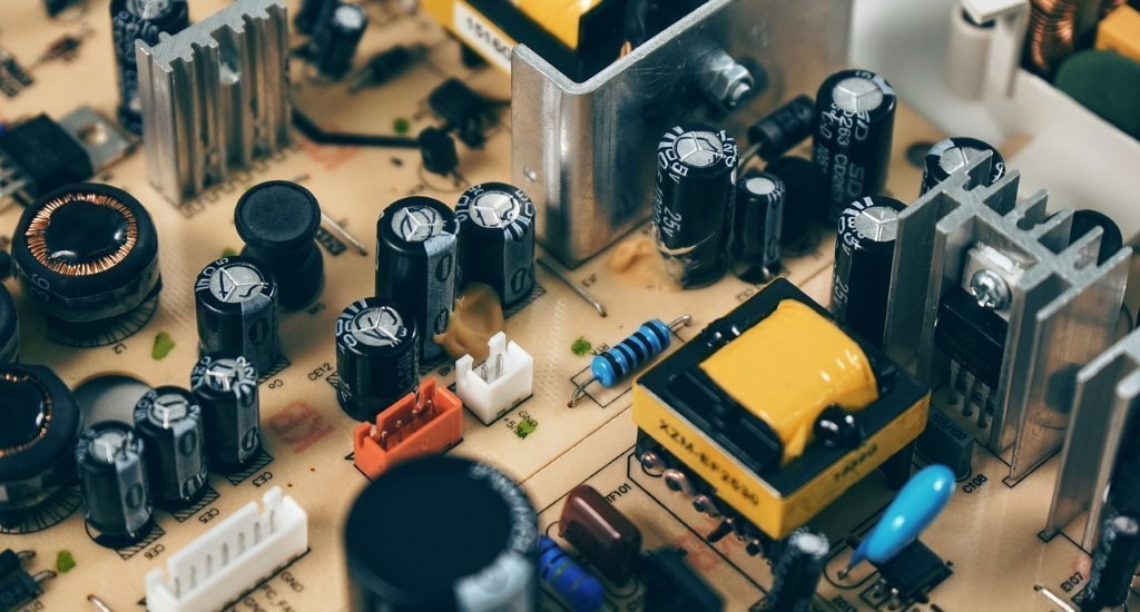 Difference Between Capacitor vs Inductor
