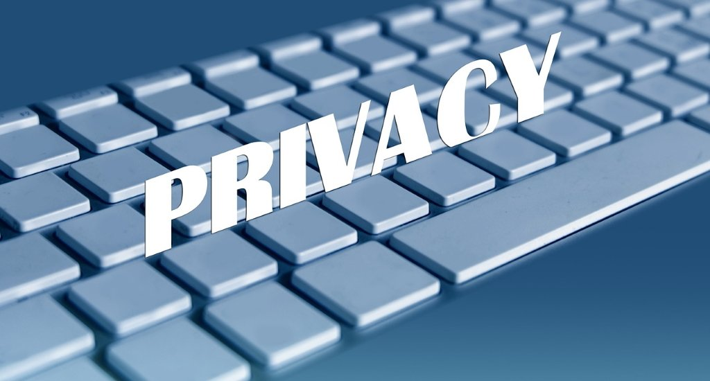 difference between privacy vs confidentiality