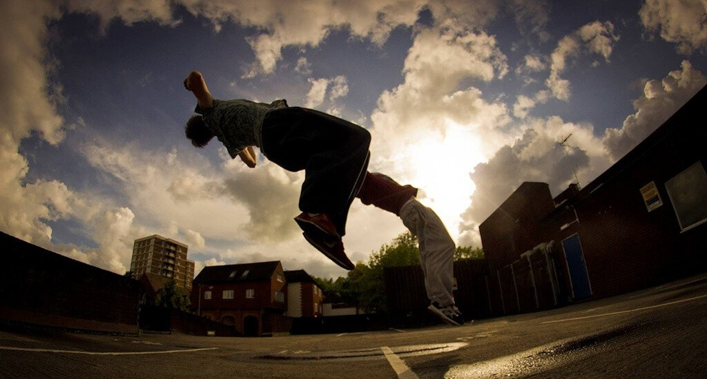 difference between freerunning vs parkour